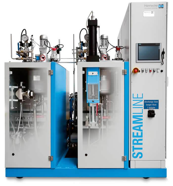 Perfekter Partner für den clearmelt®-Prozess: die Hennecke-STREAMLINE im K.I.M.W.-Technikum