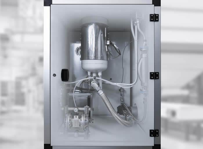 Homogene Temperierung: sämtliche medienführende Komponenten sind in der Heizkabine untergebracht